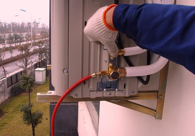 Thermal insulation pipe installation scheme